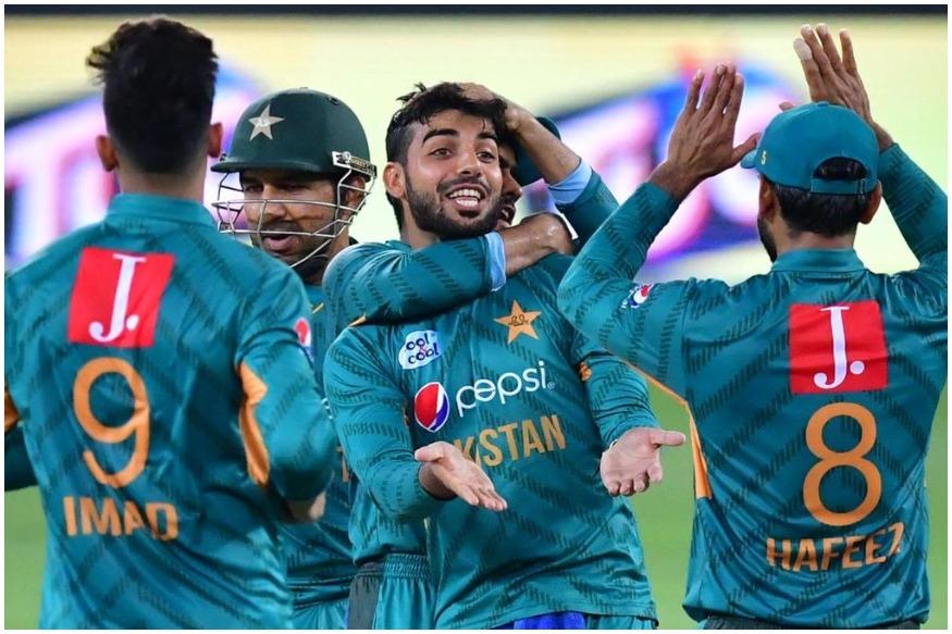 30 मई से इंग्लैंड में शुरू हो रहे वर्ल्ड कप के लिए पाकिस्तान ने मजबूत टीम का ऐलान किया है लेकिन उससे पहले ही उसे बड़ा झटका लगा है.