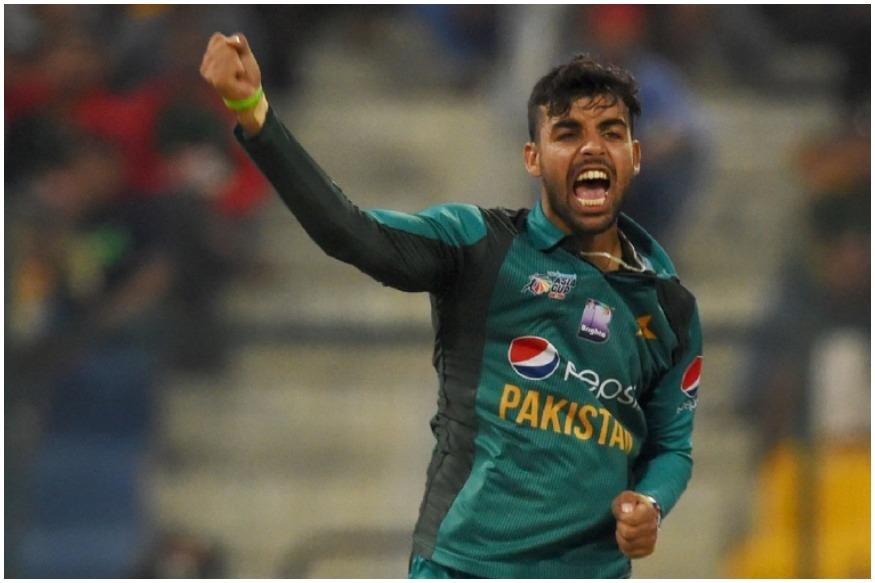 दरअसल पाकिस्तान के लेग स्पिनर शादाब खान एक वायरस इंफेक्शन की वजह से बीमार हो गए हैं और वो 5 मई से इंग्लैंड के खिलाफ शुरू हो रही वनडे और टी20 सीरीज से भी बाहर हो गए हैं.