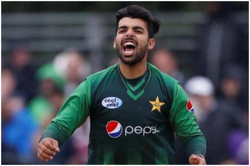 शादाब खान का जल्द ठीक होना मुश्किल दिख रहा है उन्हें कम से कम चार हफ्तों के आराम की सलाह दी गई है. वो वर्ल्ड कप के शुरुआती मैचों से भी बाहर हो सकते हैं.