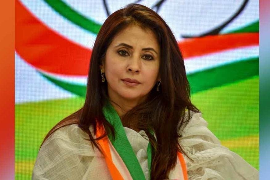 इस बार यानी कि 2019 में उर्मिला मातोंडकर कांग्रेस में शामिल हुई हैं. वह मुंबई उत्तर सीट से चुनावी मैदान में हैं. देखना होगा कि राजनीति उन्हें कितनी रास आती है.