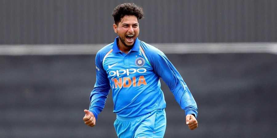 कुलदीप यादव (भारत) : विश्व कप जीतने के लिहाज से यह चाइनमैन गेंदबाज भारत के लिए बेहद अहम है. भारत ने जब आखिरी बार 2018 में इंग्लैंड का दौरा किया था तब कुलदीप ने इंग्लिश बल्लेबाजों को खासा परेशान किया था और तीन मैचों की सीरीज में नौ विकेट लिए थे. यह सीरीज भारत ने 2-1 से अपने नाम की थी. कुलदीप ने अभी तक कुल 44 वनडे खेले हैं जिसमें 85 विकेट उनके हिस्से आए हैं. (PC- ICC)
