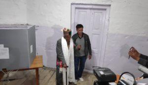 गौरतलब है कि हिमाचल में 100 साल से ऊपर 999 वोटर हैं. इनका वोट से पहले चुनाव आयोग की ओर से स्वागत किया गया है.
