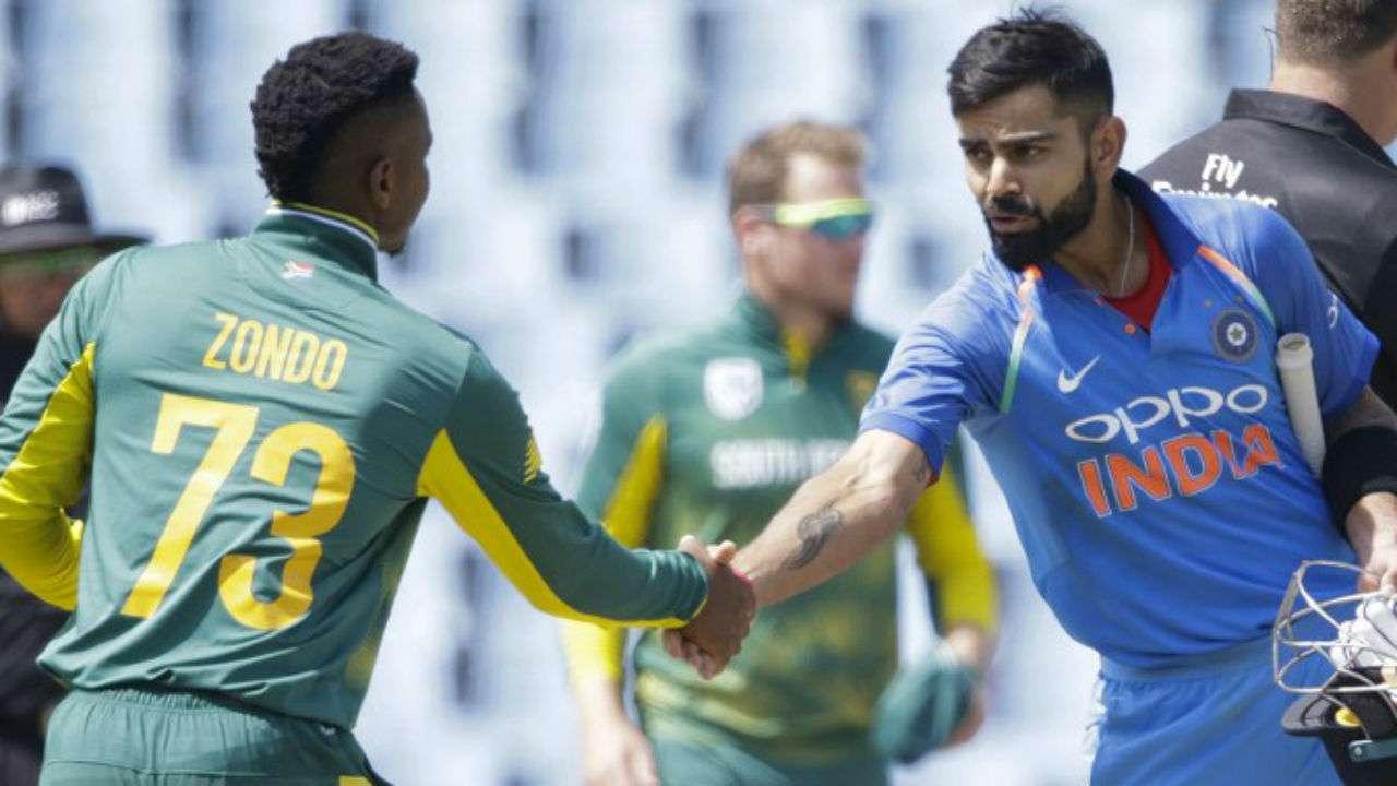 साउथ अफ्रीका को भी इस बार वर्ल्ड कप की बड़ी टीमों की गिना जा रहा है. टीम इंडिया वर्ल्ड कप में एक ही मैच साउथ अफ्रीका से जीत पाई है, वहीं 3 मैचों में टीम को हार का सामना करना पड़ा है. (PC - ICC)