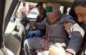 देश के सबसे पहले वोटर श्याम शरण नेगी हाल ही में 102 साल के हो चुके हैं.
