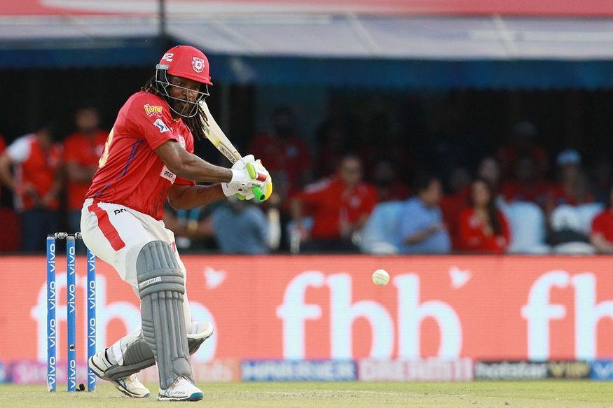 किंग्स इलेवन पंजाब ने आईपीएल 2019 में अपना अभियान जीत के साथ खत्म किया. पंजाब ने अपने घरेल मैदान पर चेन्नई सुपर किंग्स को छह विकेट से हराया. चेन्नई ने पहले बल्लेबाजी करते हुए पांच विकेट पर 170 रन का स्कोर बनाया, जिसे पंजाब ने दो ओवर पहले ही चार विकेट खोकर हासिल कर लिया. पूरे मैच में चेन्नई की गेंदबाजी काफी कमजोर नजर आई. (PC - IPL)