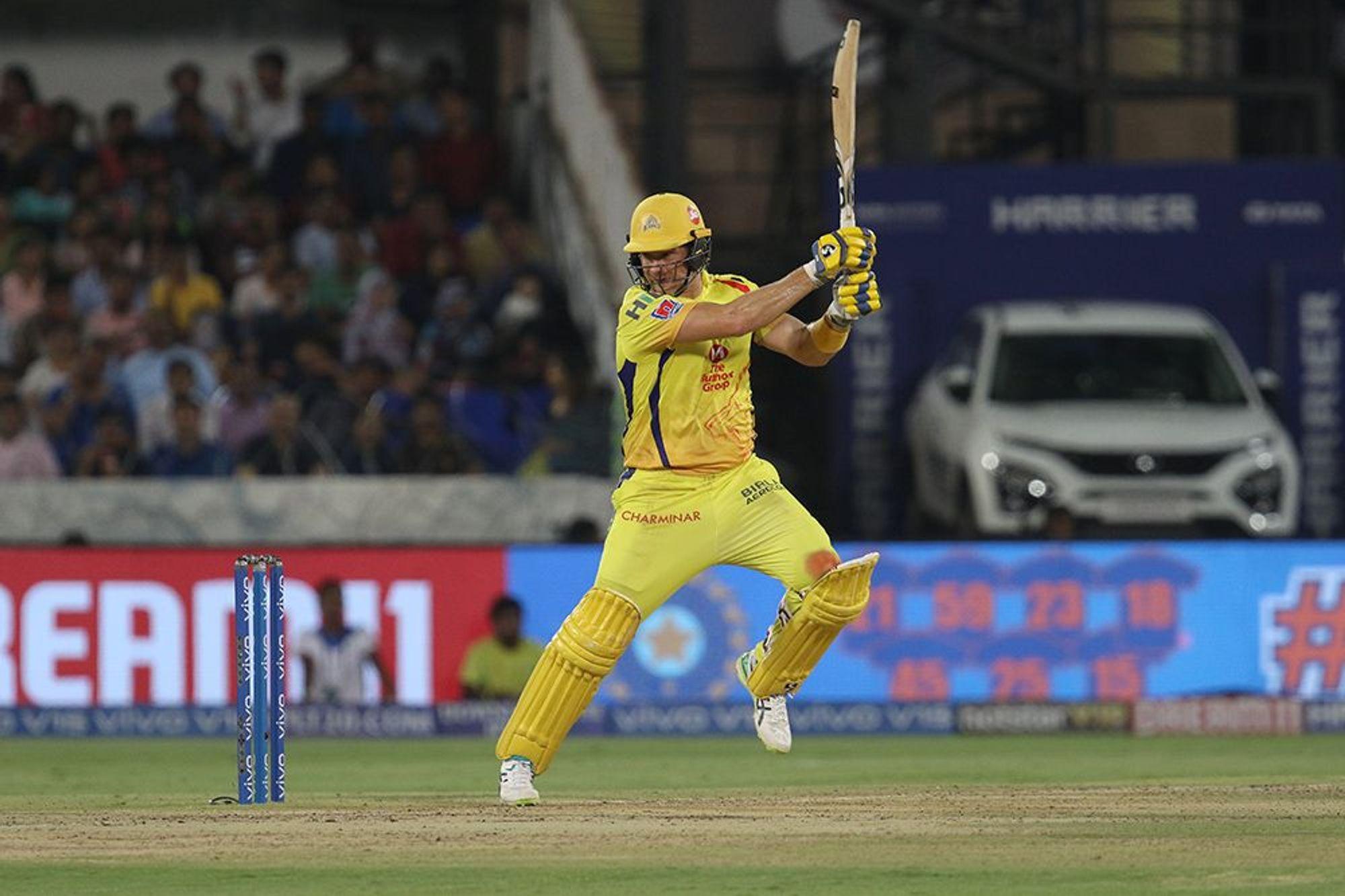 आईपीएल 12 के फाइनल में वॉटसन ने 59 गेंदों पर आठ चौके और चार छक्के की मदद से 80रनों की पारी खेली लेकिन 20वें ओवर की चौथी गेंद पर वो क्रुणाल पंड्या के हाथों रन आउट हो गए. दो रन चुराने के चक्कर में वॉटसन ने तेज दौड़ लगाई लेकिन वो क्रीज तक नहीं पहुंच सके.(Photo-IPL)