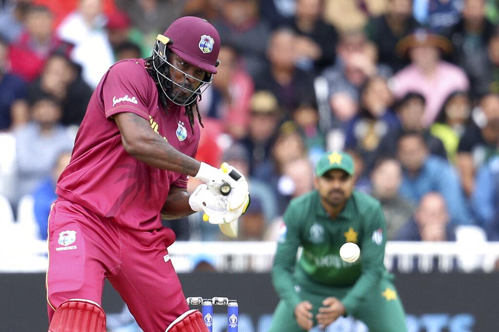 - वेस्ट इंडीज के लिए सबसे ज्यादा रन गेल ने ही बनाए. उन्होंने 34 गेंदों पर 50 रन की पारी खेली. जिसमें 6 चौके और 3 छक्के शामिल थे. (PC - AP)