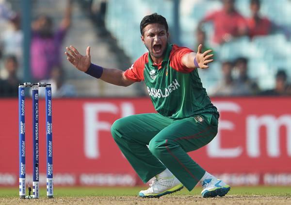 खबरों के मुताबिक शाकिब अल हसन की मांसपेशियों में खिंचाव आ गया है. अगर वर्ल्ड कप से पहले वो फिट नहीं होते हैं तो बांग्लादेश बड़ी मुसीबत में फंस सकता है.