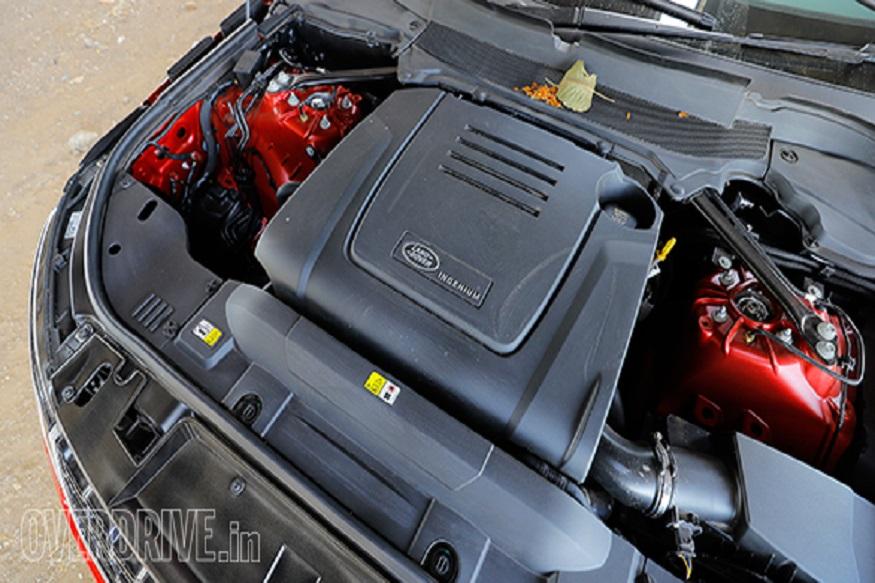 Range Rover Sport अभी तक 3-लीटर डीजल इंजन में उपलब्ध थी और अब 2-लीटर पेट्रोल इंजन के साथ ट्विन-स्क्रोल टर्बोचार्जर 296 bhp और 400 Nm का टॉर्क जनरेट करेगा. इस इंजन के साथ यह 0 से 100 kmph की रफ्तार पकड़ने में 7.1 सेकंड का वक्त लेगी और टॉप स्पीड 200 kmph है. 2-लीटर इंजन अब 3-लीटर सुपरचार्ज्ड V6 को रिप्लेस करेगी जो 335 bhp की पावर देता है.