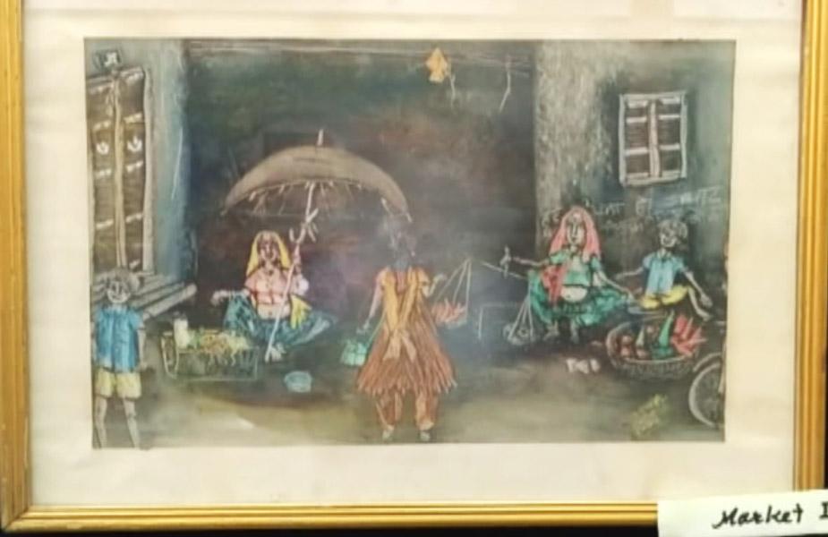 कला प्रेमी सुनील रामपुरिया ने कहा कि पुरानी शैली को युवा कलाकार नए रूप में अपने चित्रों के माध्यम से प्रस्तुत कर रहे हैं.