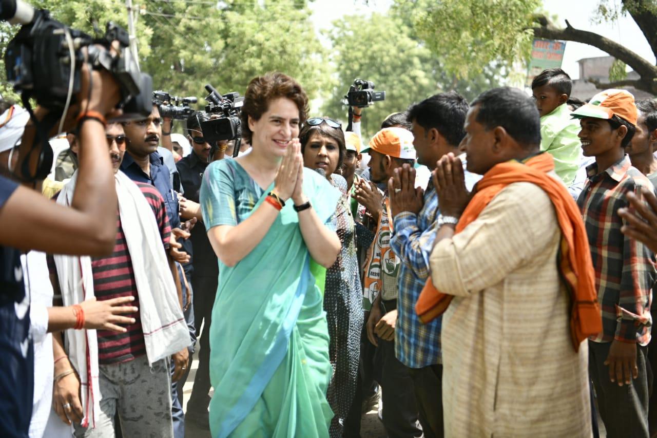 रायबरेली-अमेठी में 6 मई को वोटिंग होनी है. इन दोनों ही जगह प्रियंका ने प्रचार की कमान संभाल रखी है.