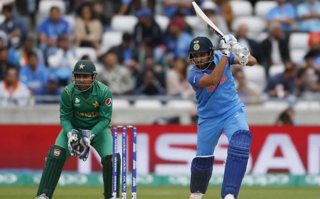 वनडे क्रिकेट में सबसे ज्यादा 150 रनों की पारी खेलने का कारनामा भारतीय बल्लेबाजों ने ही किया है. भारत की ओर से 28 बार 150 से ज्यादा रनों की पारियां खेली गई हैं.
