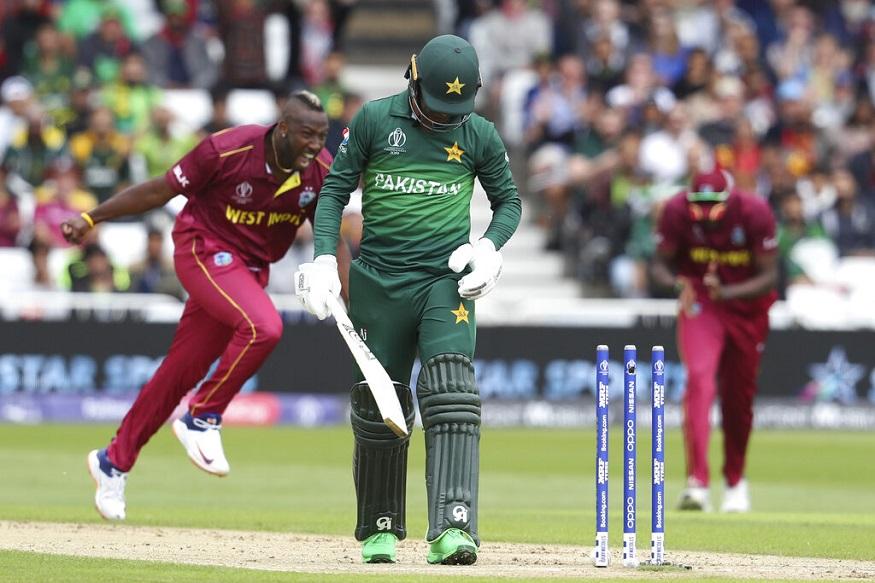 ICC वर्ल्ड कप के दूसरे मैच में पाकिस्तान का सामना वेस्ट इंडीज से था. इस मैच में पाकिस्तान की पूरी 105 रन पर ही ढेर हो गई. जिसके बाद सोशल मीडिया पर लोगों ने पाकिस्तान टीम की खराब बैटिंग को ट्रोल करना शुरू कर दिया.