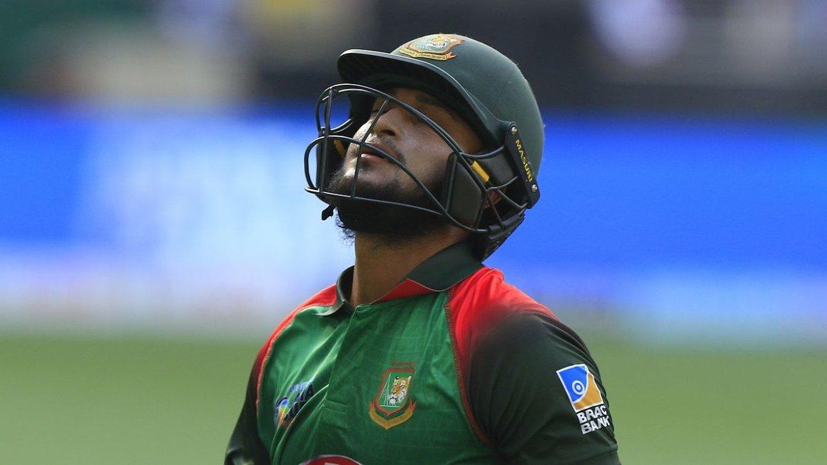 बांग्लादेश को इस मैच में जीत जरूर मिली लेकिन मुकाबले के दौरान उसके होश उड़ गए. दरअसल मैच के 36वें ओवर में अर्धशतक लगाते ही शाकिब अल हसन रिटायर्ड हर्ट हो गए.