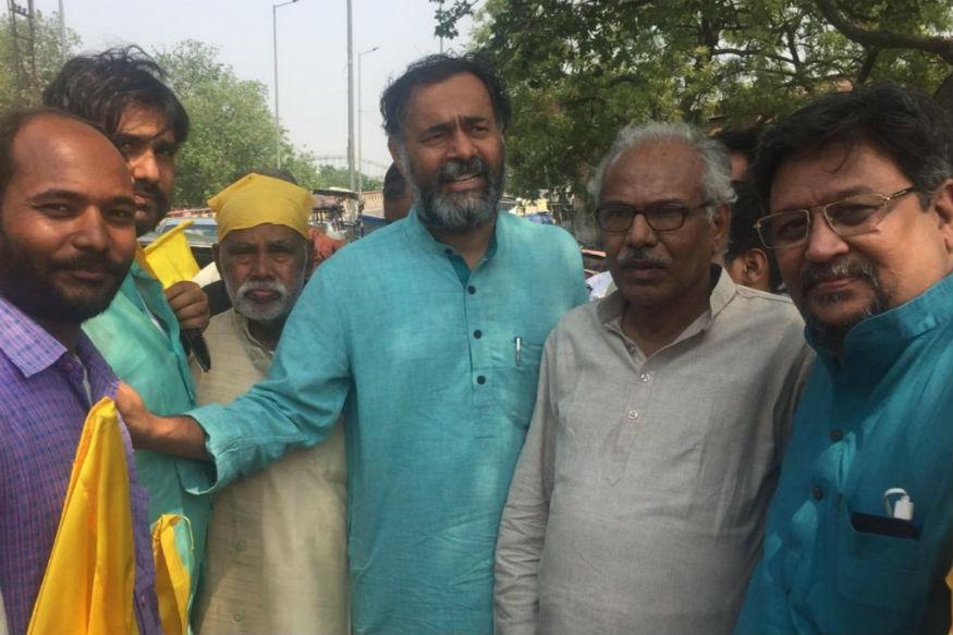 कभी आम आदमी पार्टी के प्रमुख स्तंभ रहे अब स्वराज दल के मुखिया योगेंद्र यादव ने भी कन्हैया का प्रचार किया था.