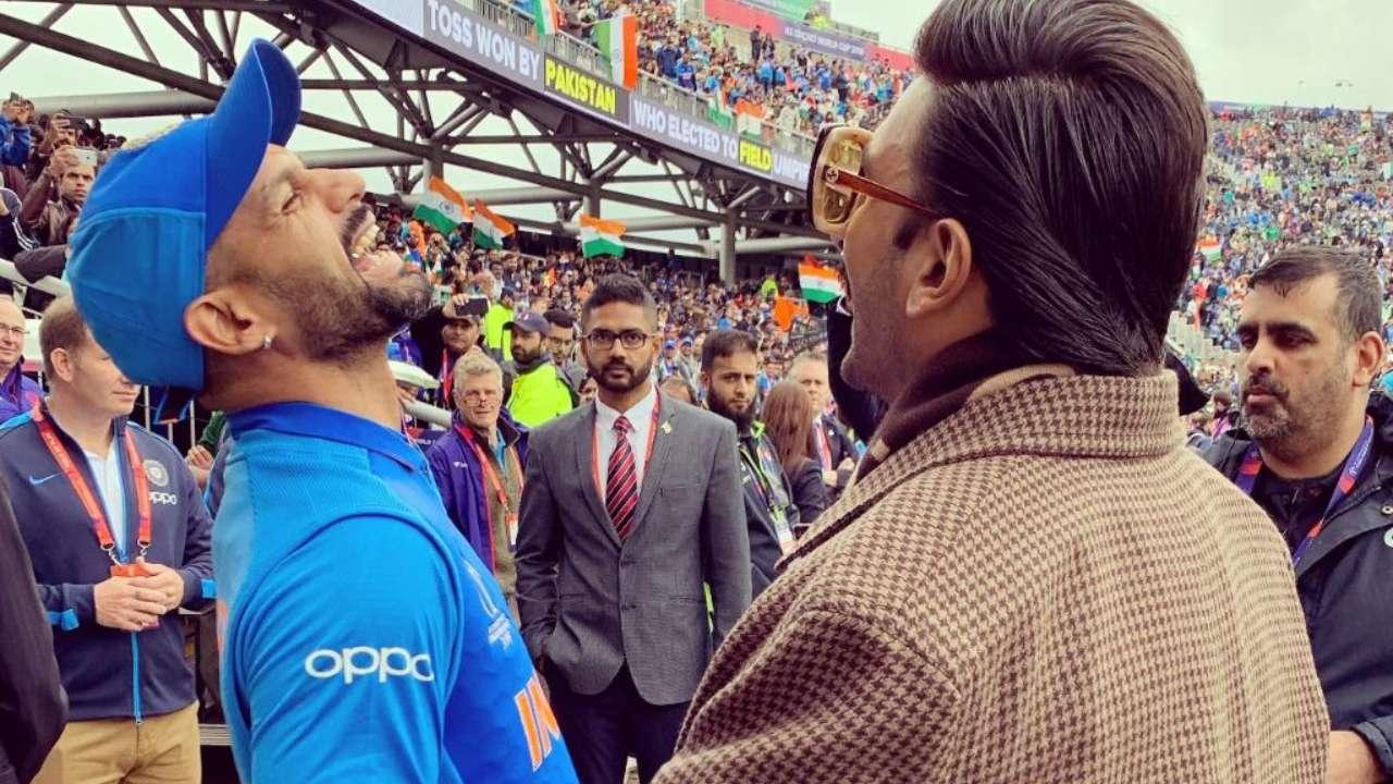 बता दें कि पिछले काफी दिनों से रणवीर अपना ज्यादातर वक्त क्रिकेट जगत की हस्तियों के साथ बिता रहे हैं. जिसकी वजह उनकी आने वाली फिल्म 83 है. ये फिल्म भारतीय टीम के पूर्व क्रिकेटर कपिल देव के जीवन और भारतीय क्रिकेट टीम के पहली बार वर्ल्ड कप जीतने की कहानी पर आधारित है. इस फिल्म के लिए रणवीर जी-जान से मेहनत कर रहे हैं.