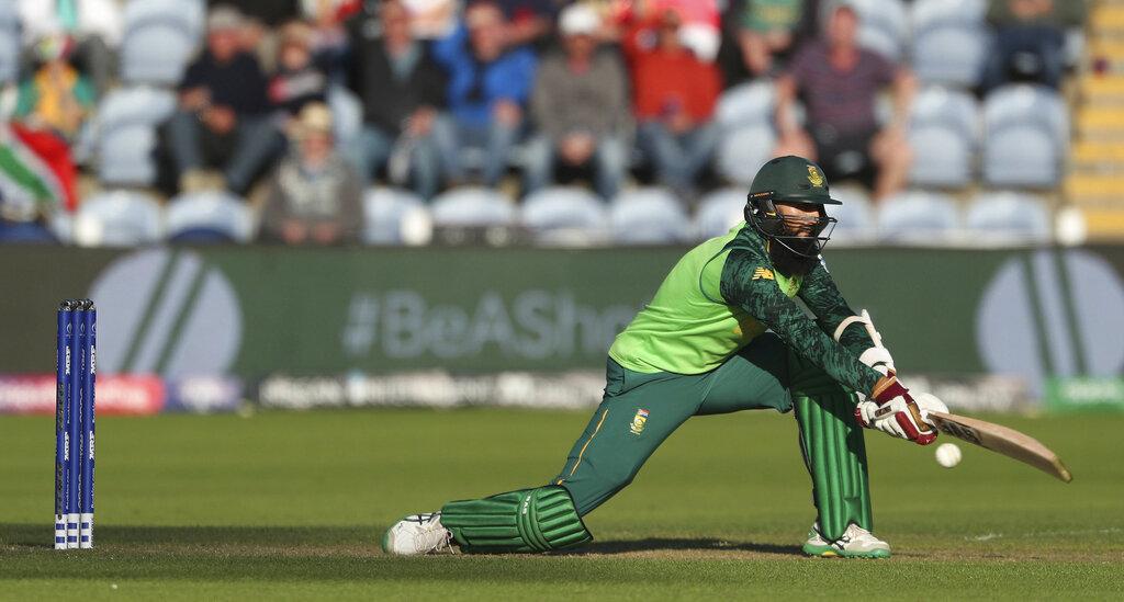 साउथ अफ्रीका के सभी खिलाड़ी मिलकर 11, श्रीलंका के 8 और न्यूजीलैंड के 7 छक्के ही लगा पाए हैं.