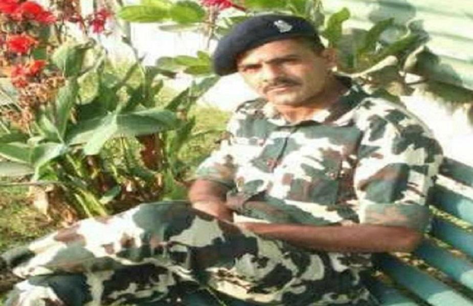 जम्मू कश्मीर के अनंतनाग में बुधवार को हुए आतंकी हमले में मध्य प्रदेश का भी एक जवान कान्सटेबल संदीप यादव शहीद हो गया. आतंकी हमले में CRPF के कुल 5 जवान शहीद हुए, संदीप उन्हीं में से एक हैं. वो देवास के रहने वाले थे.