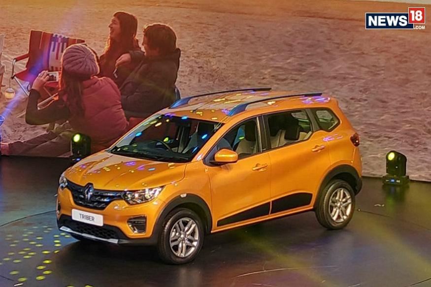Renault Triber में रैपअराउंड हेडलैम्प्स, सिल्वर स्कफ प्लेट के साथ ड्यूल टोन फ्रंट बंपर और डेटाइम रनिंग लाइट्स दी गई हैं.