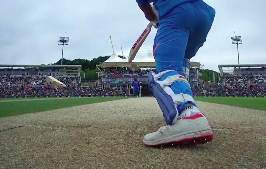 india vs south africa live score, ind vs sa score, shikhar dhawan, kagiso rabada, shikhar dhawan bat, कागिसो रबाडा, शिखर धवन, भारत दक्षिण अफ्रीका लाइव स्कोर, क्रिकेट वर्ल्ड कप 2019