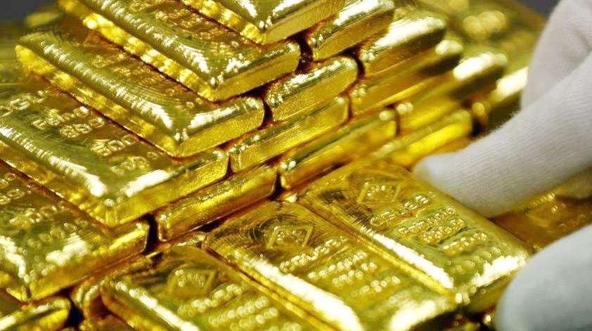 AGR जनरल मैनेजर चेरी एने डैकडैक का कहना है कि AGR ने अब तक कुल 38 टन सोना प्रोसेस कर निर्यात किया है. वॉल स्ट्रीट जनरल की रिपोर्ट के अनुसार, इस रिफाइनरी को युगांडा के राष्ट्रपति युवेरी मुसेवेनी से मदद मिलती है. मुसेवनी के प्रवक्ता ने कहा कि राष्ट्रपति बाकी सारे निवेशकों की तरह इस प्लांट को पूरा समर्थन देते हैं. क्योंकि वह युंगाडा की अर्थव्यवस्था में सुधार चाहते हैं.