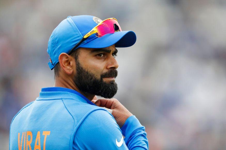 फोर्ब्स ने दुनिया के 100 सबसे अमीर एथलीटों की सूचीजारी की है. भारतीय कप्तान विराट कोहली को फोर्ब्स की 2019 में विश्व के सबसे ज्यादा कमाई करने वाले एथलीटों में जगह मिली है. वनडे और टेस्ट में नंबर वन बल्लेबाज कोहली दुनिया के सबसे मशहूर क्रिकेटर्स में शामिल है. वह इस सूची में जगह बनाने वाले अकेले भारतीय एथलीट हैं. उन्हें इस सूची में 100वीं रैंक मिली है. इकलौते भारतीय के साथ-साथ वह एकमात्र क्रिकेटर है जिन्हें इस लिस्ट में जगह मिली है. इसमें उनकी सैलेरी के अलावा ब्रैंड एंडोर्समेंट से मिले पैसों की कमाई भी शामिल है.