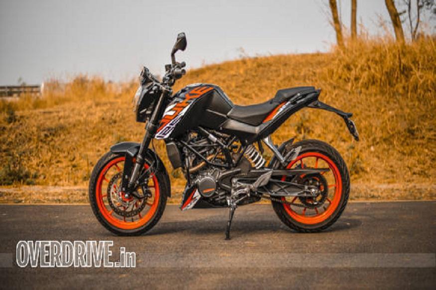 इस बाइक की स्टाइलिंग 200 ड्यूक बाइक की तरह है. दोनों बाइक्स का लुक अगल रखने के लिए 125 ड्यूक में नए डिजाइन के ग्राफिक्स दिए गए हैं.
