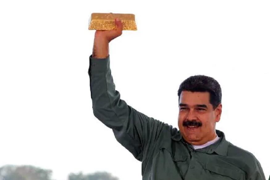 वेनेजुएला में दो नेताओं की लड़ाई अब बाहर आ गई है. यूएस समेत करीब 50 देश विपक्षी दल के नेता गुएडो को समर्थन दे रहे हैं. जबकि कुछ देश मदुरों के साथ खड़े हैं.