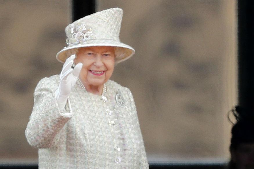 इंग्लैंड की महारानी एलिजाबेथ द्वितीय का जन्मदिन समारोह धूमधाम से मनाया जा रहा है.
