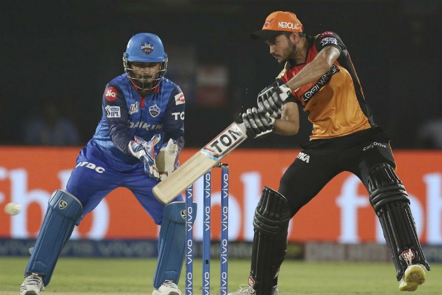 भारतीय क्रिकेट टीम के लिए पहले खेल चुके मनीष पांडेय ने भी आईपीएल में जबर्दस्त प्रदर्शन किया था. मनीष पांडेय एक स्पेशलिस्ट बल्लेबाज हैं जो पहले नंबर से लेकर सातवें नंबर तक शानदार बल्लेबाजी के लिए जाने जाते हैं.