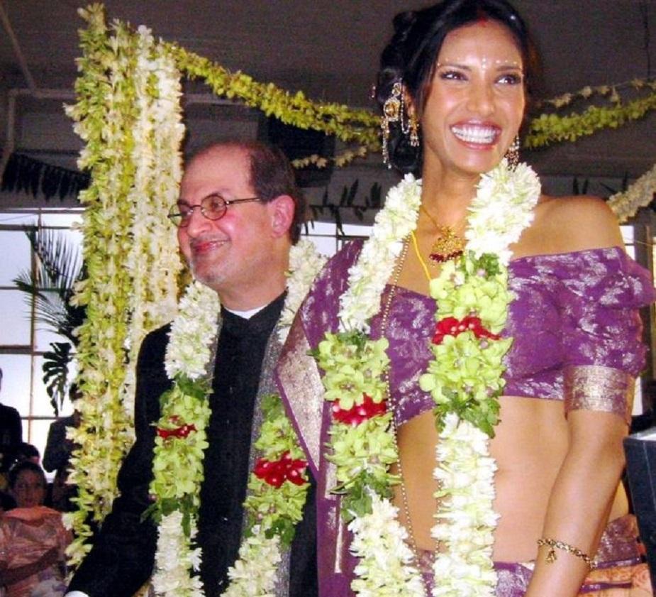 पद्मा लक्ष्मी : सलमान रुश्दी के जीवन में सबसे चर्चित प्रेम कहानी पद्मा लक्ष्मी के साथ रही और दोनों का वैवाहिक जीवन भी सुर्खियों में बना रहा. भारतीय मूल की अमेरिकी अभिनेत्री, मॉडल और टीवी रिएलिटी शो टॉप शेफ की एंकर रहीं लक्ष्मी के साथ रुश्दी की शादी सिर्फ तीन साल ही चली. 2007 में लक्ष्मी से तलाक के बाद रुश्दी ने कहा कि शादी के कॉंसेप्ट से उनका भरोसा उठ गया है. वहीं, लक्ष्मी ने खुलकर इस रिश्ते के बारे में राय रखी और कारण भी साझा किए.