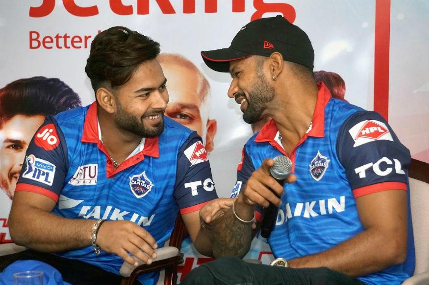 आईसीसी वर्ल्ड कप 2019 में भारतीय क्रिकेट टीम के सलामी बल्लेबाज शिखर धवन के इंजरी के चलते बाहर होने के बाद अटकलों का बाजार गर्म है. उनकी जगह टीम में इनसात खिलाड़ियों को शामिल किए जाने को लेकर सबसे ज्यादा चर्चाएं हैं.