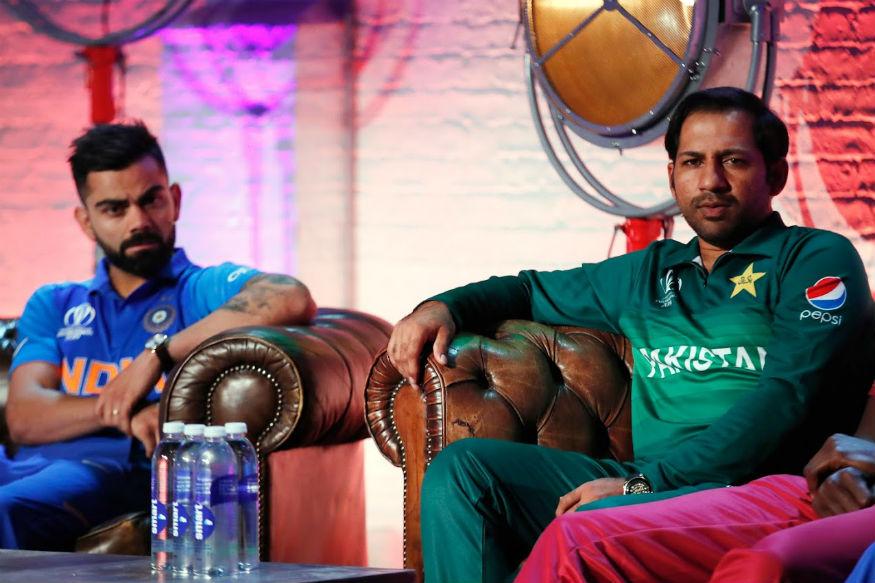 मौसम की वजह से कई कप्तान टॉस जीतकर पहले गेंदबाजी करना पसंद करते हैं, हालांकि ICC क्रिकेट वर्ल्ड कप 2019 में ये दाव कई बार कप्तानों पर उल्टा पड़ा है. 17 मैचों में हुए टॉस में 14 बार कप्तानों ने इसे जीतकर पहले गेंदबाजी करने का फैसला किया है. वहीं तीन मौकों पर कप्तानों ने पहले बल्लेबाजी को चुना.