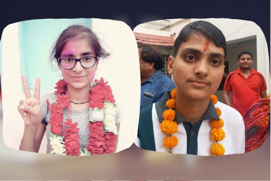 जयपुर की शीला जाट और गंगानगर की कल्पना ने राजस्थान माध्यमिक शिक्षा बोर्ड के 10वीं कक्षा के परीक्षा में99.17 प्रतिशत अंक हासिल किए हैं. अभी तक सामने आए नतीजों और छात्र-छात्राओं के परिणामों के अनुसार शीला को दसवीं टॉपर बताया जा रहा है. दूसरे नंबर पर कल्पना है जिन्होंने98.17% नंबर हासिल किए हैं. इससे पहलेशिक्षा राज्यमंत्री गोविंद सिंह डोटासरा ने अजमेर स्थित बोर्ड मुख्यालय में परिणाम की घोषणा की. दसवीं का परिणाम इस बार79.85% रहा है. इसमें लड़कियां का परिणाम80.45% और लड़कों का परिणाम79.45% रहा है. इस परीक्षा में 10.88 लाख छात्र-छात्राएं शामिल हुए थे. दसवीं के नतीजे बोर्ड की ऑफिशियल वेबसाइट rajeduboard.rajasthan.gov.in के साथ rajresults.nic.in पर भी देखा जा सकता है. अगली स्लाइड्स में तस्वीरों के साथ पढ़ें, 10वीं परीक्षा के टॉपर्स...(दसवीं परीक्षा में 99.17 प्रतिशत अंक हासिल करने वाली छात्राएं कल्पना (बाएं) और शीला.)