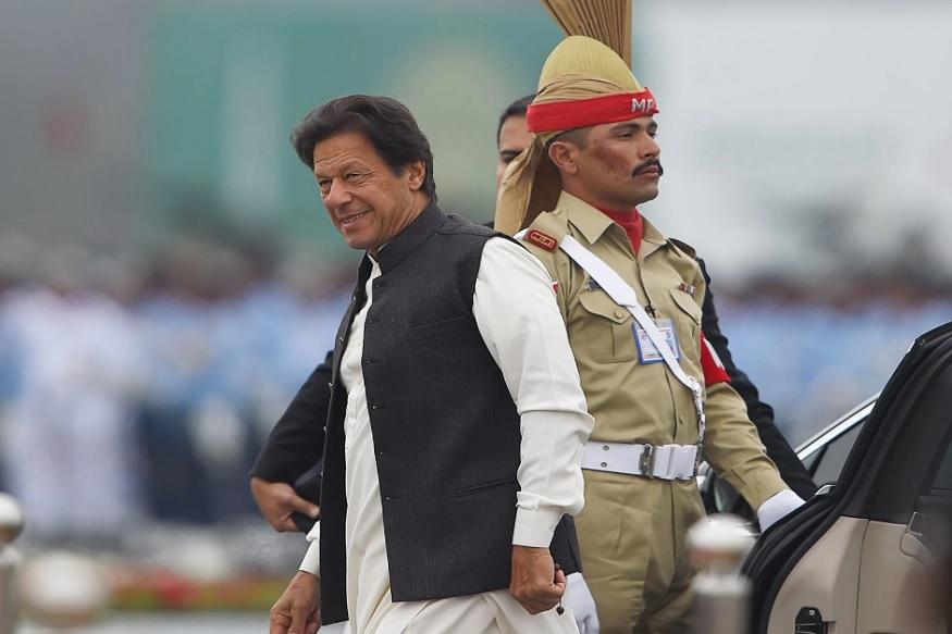 बता दें कि पाकिस्तान की अर्थव्यवस्था काफी खराब हालत में चल रही है. सत्ता में आने के बाद इमरान खान ने फिजूलखर्ची रोकने का संकल्प लिया था.