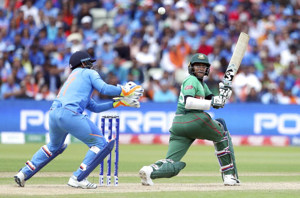 टीम ने भले ही बेहद खराब प्रदर्शन किया लेकिन उसके ऑलराउंडर शाकिब अल हसन ने शानदार खेल दिखाया. शाकिब ने 8 मैचों में 606 रन बनाए और 11 विकेट भी झटके.