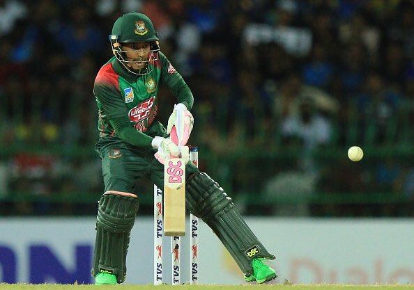 आपको बता दें श्रीलंका के खिलाफ दूसरे वनडे में मुश्फिकुर रहीम ने खबर लिखे जाने तक अर्धशतक जमा दिया था. मुश्फिकुर रहीम का ये 37वां वनडे अर्धशतक है.