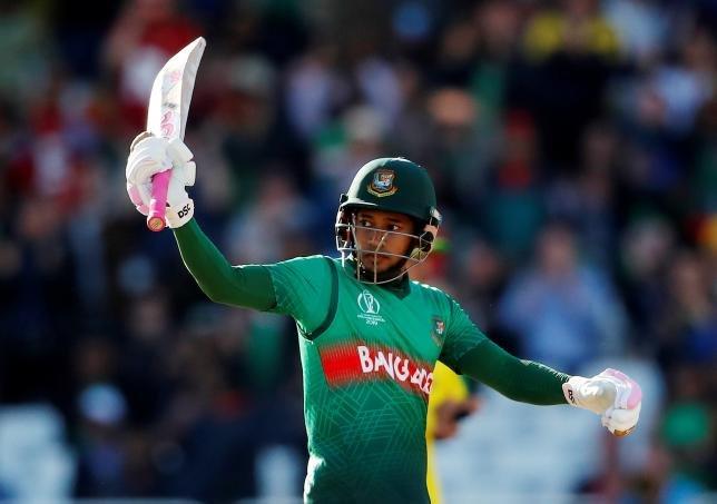 मुश्फिकुर रहीम तीसरे बांग्लादेशी हैं जिसने वनडे में 6 हजार रन पूरे किए हैं. उनसे पहले तमीम इकबाल और शाकिब अल हसन भी ये कारनामा कर चुके हैं.