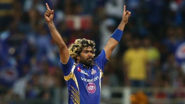 आपको बता दें साल 2018 में मलिंगा मुंबई इंडियंस के गेंदबाजी कोच रह चुके हैं, हालांकि इस साल हुए आईपीएल में वो बतौर खिलाड़ी मुंबई के लिए खेले थे.