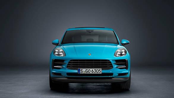 Porsche Macan, 2016 में ग्लोबली लॉन्च हुई थी. भारत में लॉन्च हुए इस फेसलिफ्ट वेरिएंट को इंटरनेशनली पिछले साल लॉन्च किया गया था.
