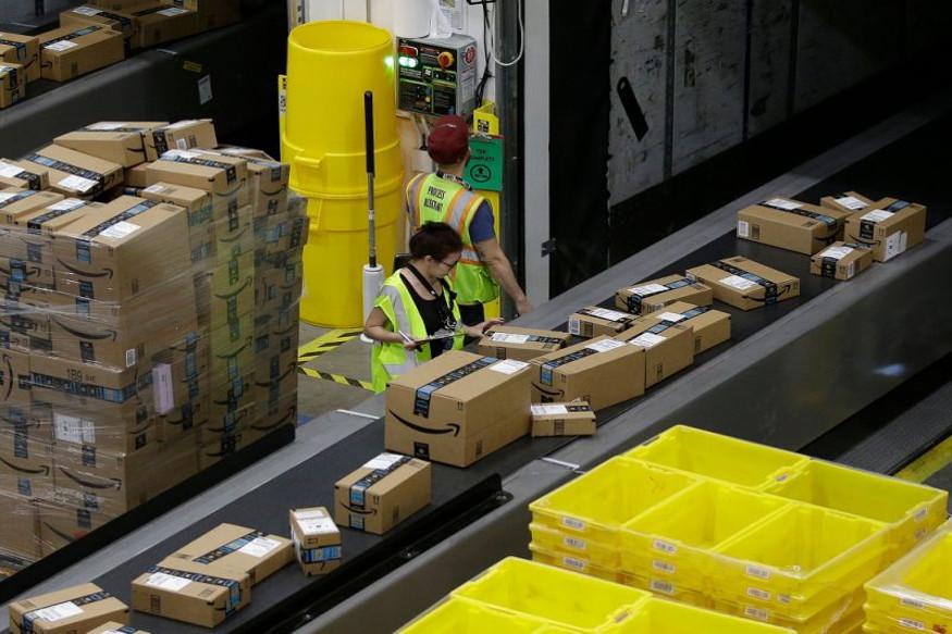 Amazon, UK, Demonstrative, company, plastic bottle