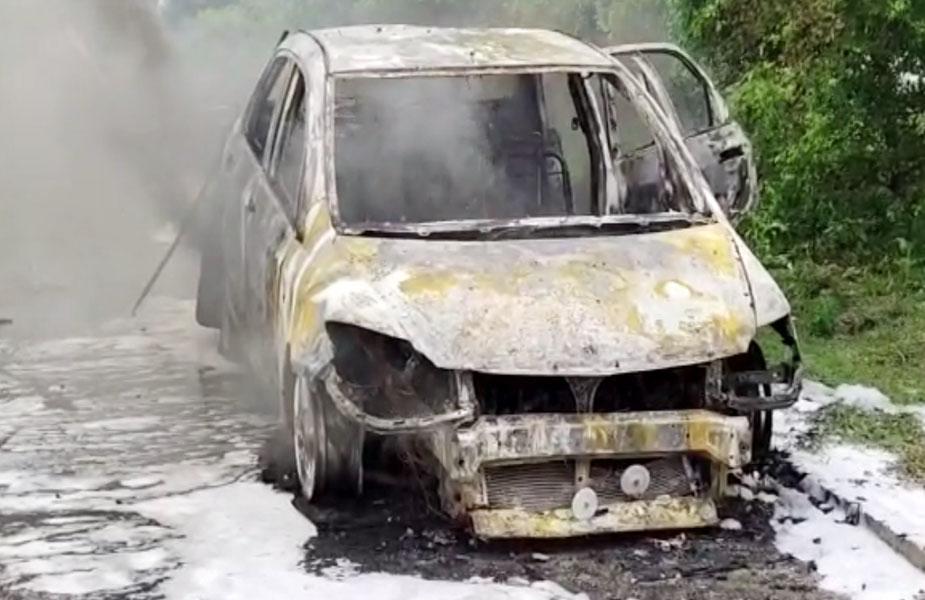 जली कार-car burnt