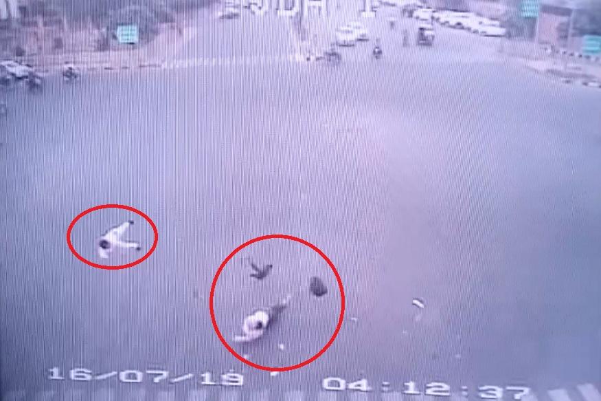बिड़ला मंदिर के सामने हुए सड़क हादसे में दो सगे भाई की मौत, 5 घायल