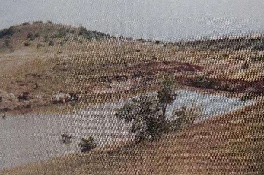 chal-khal, पारंपरिक रूप से पहाड़ के गांवों में चाल-खाल होते थे.