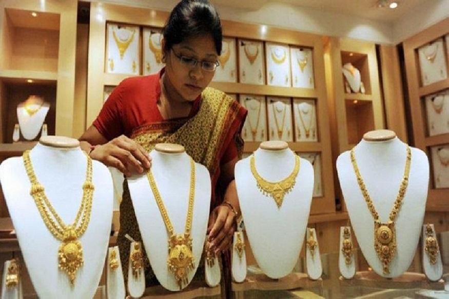 Gold rises Rs 280 to 35570 per ten grams-सोने-चांदी की कीमतों में आज आया इस महीने का सबसे बड़ा बदलाव, जानें नए रेट्स