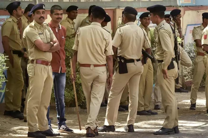 अहमदाबाद पुलिस के मुताबिक गिरफ्तार शख्स ने बीजेपी के सदस्य होने का फर्जी कार्ड बनाया था