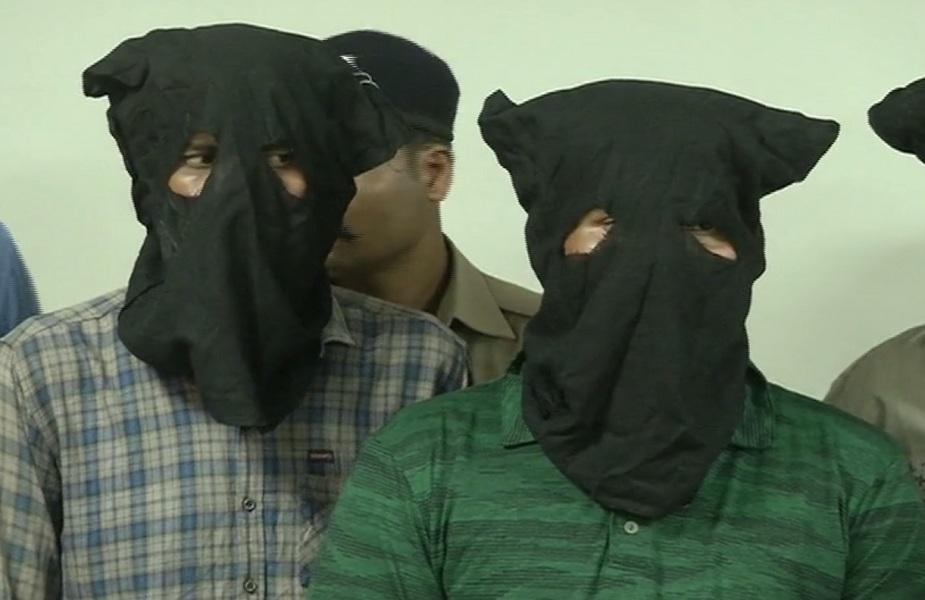 सिकरवार हत्याकांड मामले में तीन आरोपी गिरफ्तार, पिस्टल व देसी कट्टा बरामद