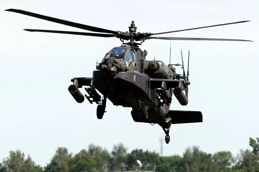भारतीय वायुसेना ने 22 AH- 64E अत्याधुनिक अपाचे अटैक हेलिकॉप्टर बोइंग से खरीद रहा है.