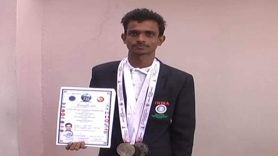 chhattisgarh news, छत्तीसगढ़ latest news, छत्तीसगढ़ समाचार, Chhattisgarh samachar,Chhattisgarh news in hindi, mahasamund, mahasamund news, chhattisgarh;s child won medal in europe, महासमुंद, महासमुंद के बच्चे ने जीता मेडस, महासमुंद के दिव्यांग बच्चे ने जीता यूरोप में मेडल