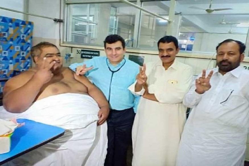 पाकिस्तान के सकीबाबाद के निवासी नूर, दो हफ्ते पहले वजन घटाने की सर्जरी के लिए अस्पताल गए थे. वहां उनका इलाज सफल चल रहा था. ARY न्यूज के अनुसार नूर के सर्जन डॉक्टर मौज ने कहा कि ICU में तोड़फोड़ के चलते उनकी मौत हो गई.